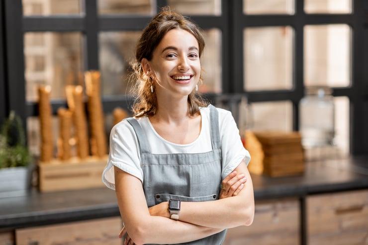 seasonal saleswoman job at a cafe