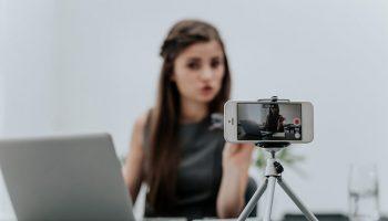 online mentoring vlogger