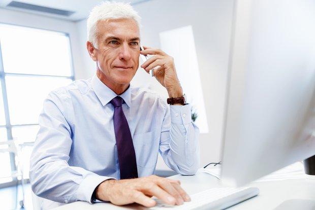 senior recruiter searching candidates online
