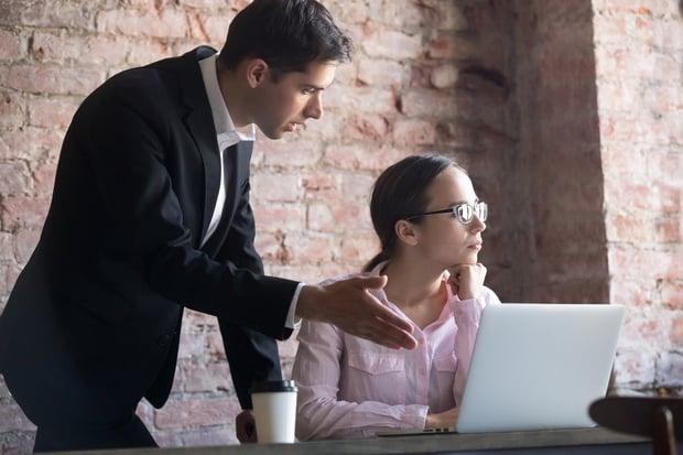 destructive criticism in public workplace